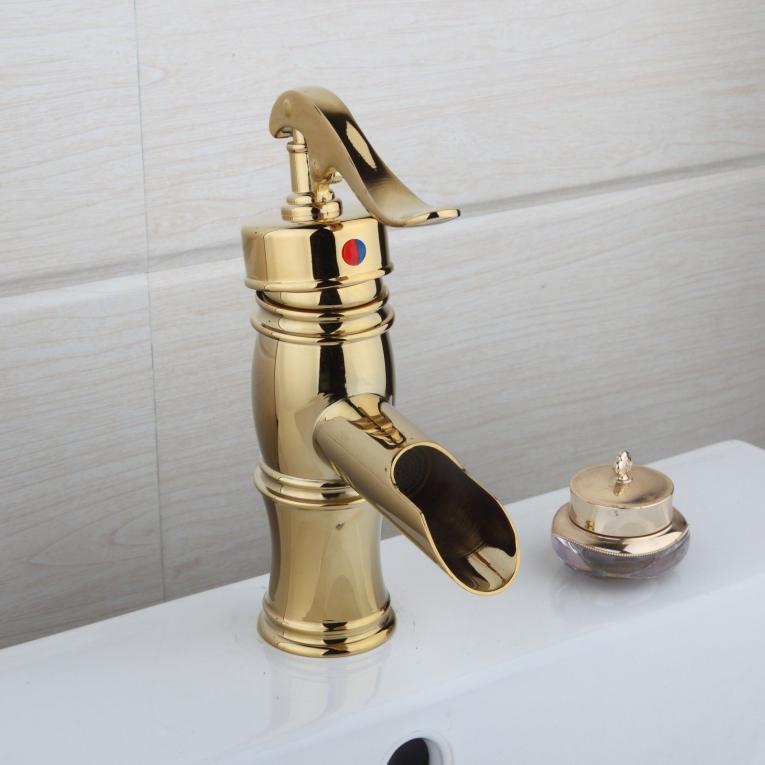 Nostalgische wastafelkraan Klassiek model goud afgewerkt ...